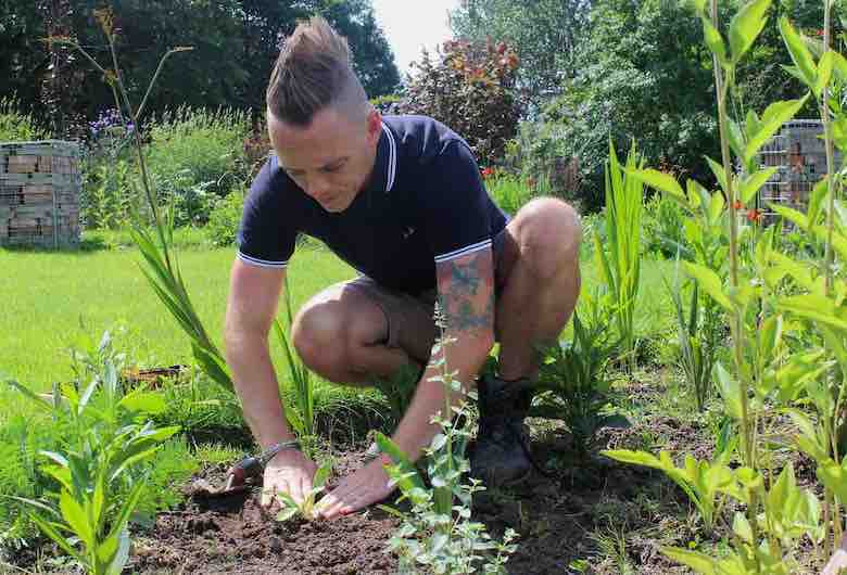 Lee from Garden Ninja planting a south-facing 'hot' border