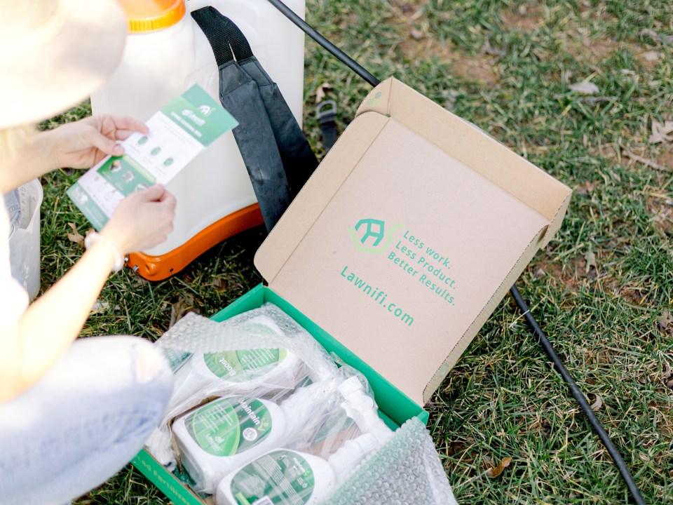 Lawnifi subscription fertilizer kit.