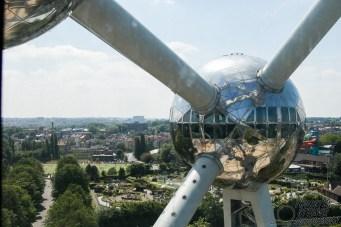 Blick aus dem Atomium auf Mini-Europa