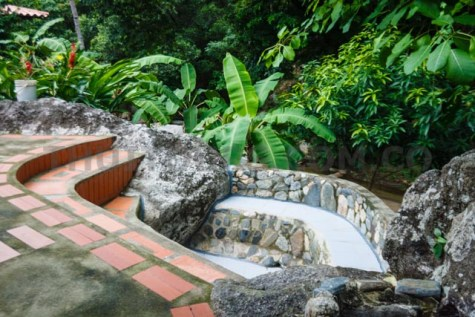 Refresh in the natural jacuzzi.