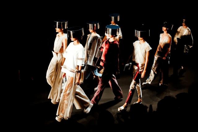 黃薇在2013年賓士柏林時裝週中舉辦的2014春夏服飾發表會場景 (來自黃薇臉書)