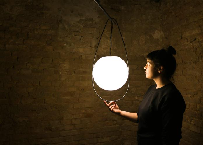equilumen-mischer-traxler-light-distribution-glas-sphere-design-lighting-motion_dezeen_1568_7