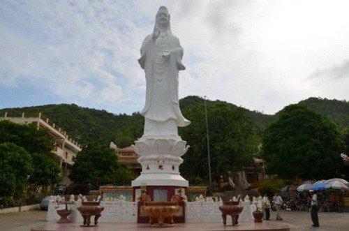 Pho Da Son Quan Am Bo Tat Tu, Vietnam http://placesinvietnam.org