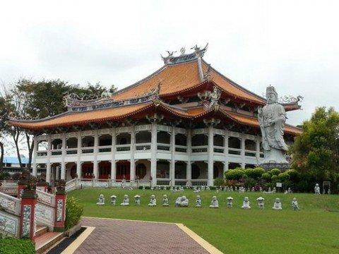 Vihara Kong Meng San Phor Kark See, Singapura via https://www.tripadvisor.com.sg