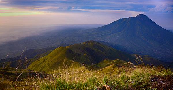 Gunung lokasi Upacara Kemerdekaan Indonesia - Merbabu