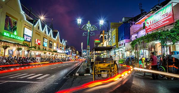 Tempat Wisata Malam di Jogja - Jalan Malioboro