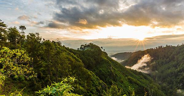 Tempat Wisata di Maribaya-tebing-keraton