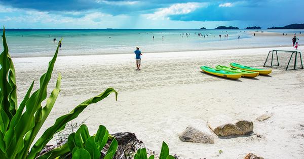 Tempat Wisata di Pulau Bintan - lagoi bay
