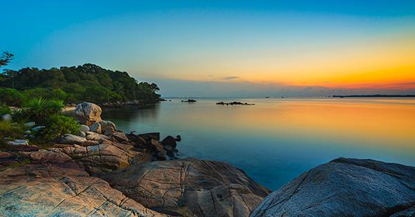 Tempat Wisata di Pulau Bintan - pantai trikora