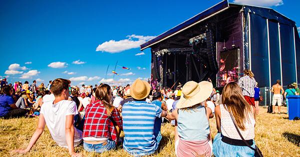 Tips Liburan Sesuai Kepribadian Ekstrovert - Mengunjungi Festival