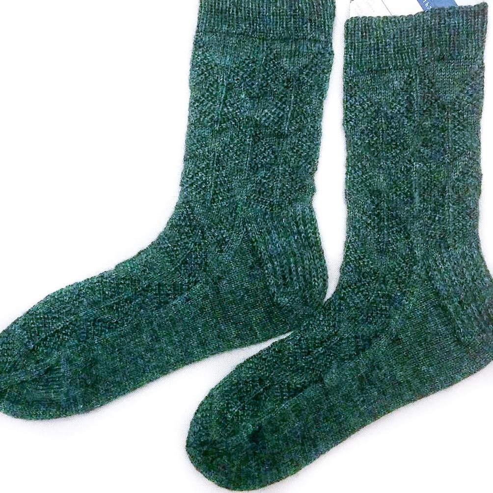 2aat avec des dpns : Tricoter deux chaussettes en même temps avec des doubles pointes