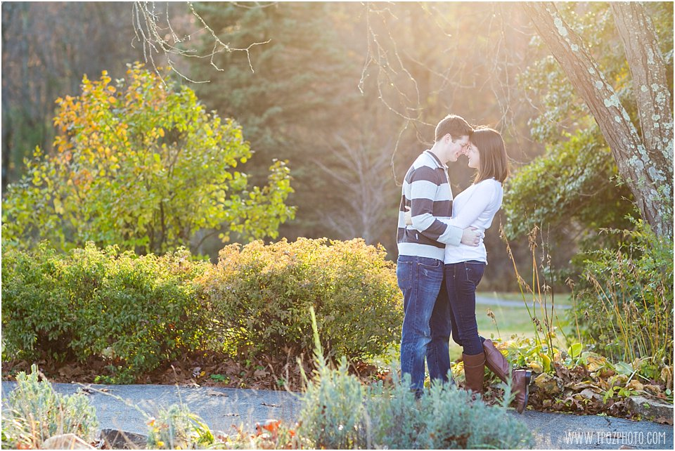 Shrine-of-StAnthonys-Engagement-Photos_0019