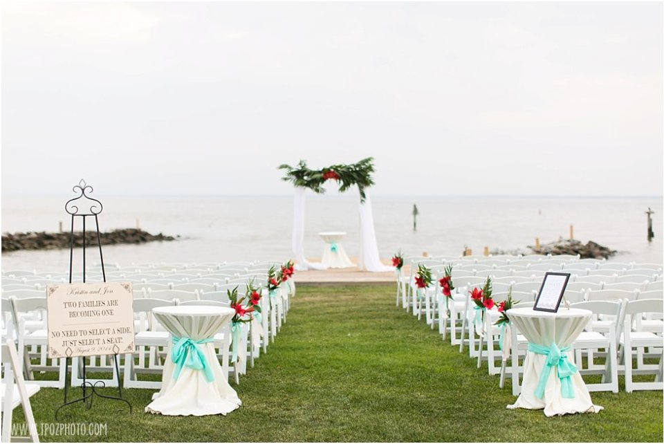 Wedding Ceremony at Silver Swan Bayside  •  tPoz Photography  •  www.tpozphoto.com