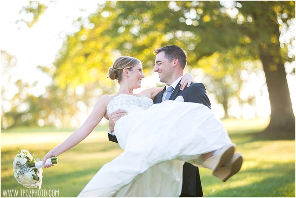 Stone Manor Country Club Wedding || tPoz Photography || www.tpozphotoblog.com
