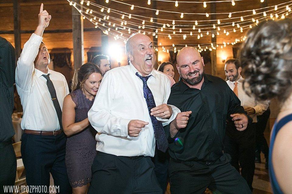 Linganore Winecellars Wedding    tPoz Photography    www.tpozphoto.com