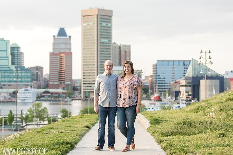 Federal Hill Park Engagement Photos || tPoz Photography || www.tpozphoto.com
