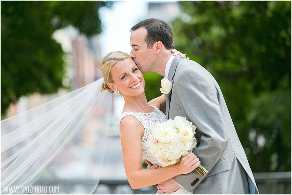 Renaissance Baltimore Harborplace Wedding || tPoz Photography || www.tpozphoto.com