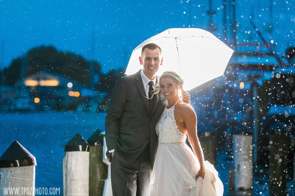 Rainy Annapolis Waterfront Hotel Wedding || tPoz Photography || www.tpozphoto.com