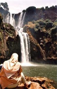 Cascades-D'Ouzoud-Waterfalls-Woman-Sitting-Outiside