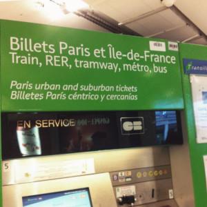 Mesin tiket transportasi Paris