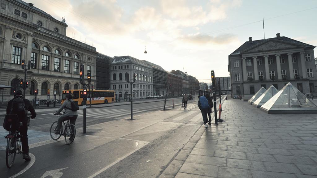 Københavnere dengan sepedanya