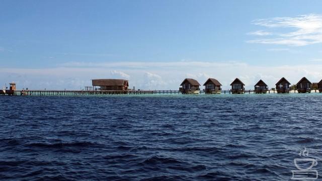 Resort yang berjejer di Maldives