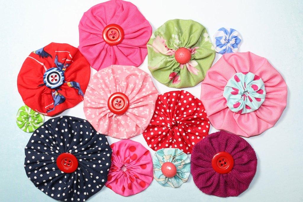 fabric flower yo yo, yoyo template tutorial
