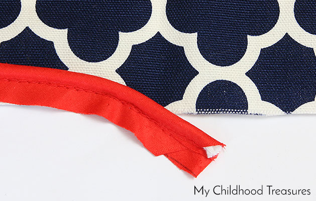 how-to-sew-a-cushion-cover-with-piping-8