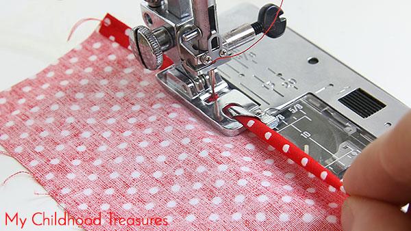 how-to-sew-narrow-hem-foot-3