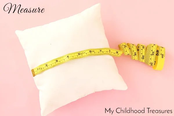 how-to-sew-a-zip-cushion-cover-measure