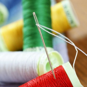 how to thread a needle
