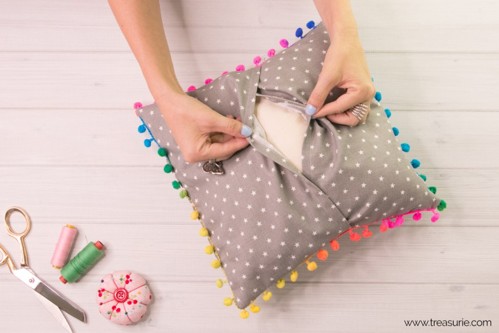 envelope pillow tutorial