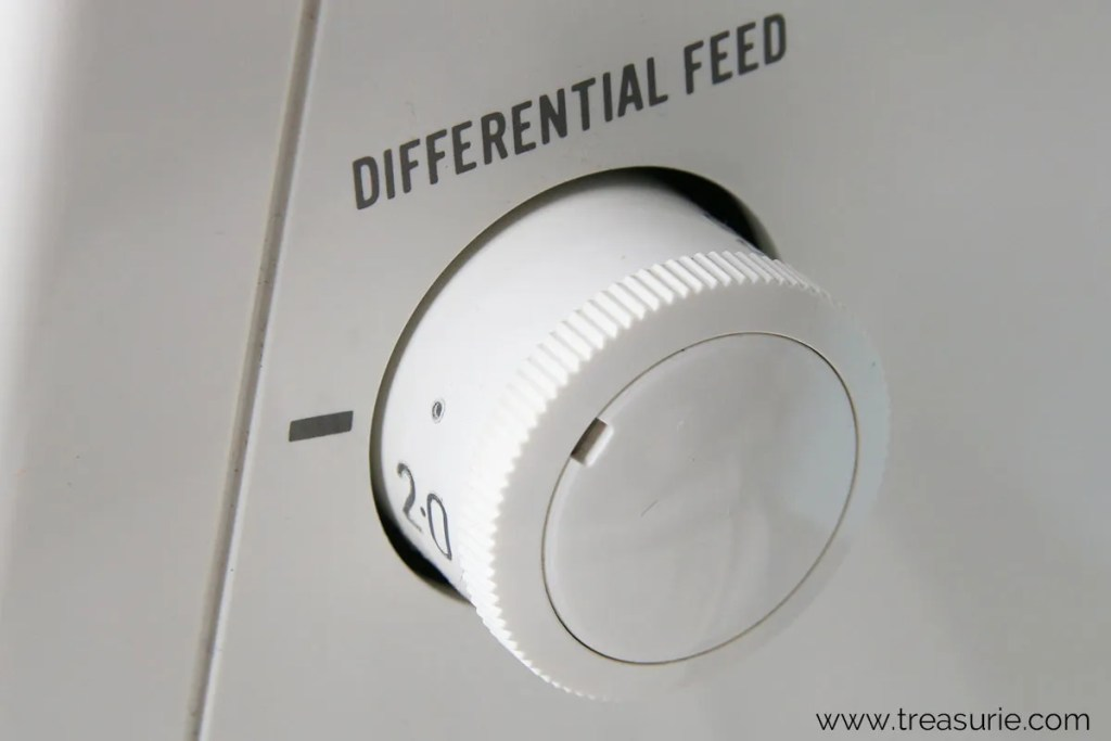 differential feed adjustment