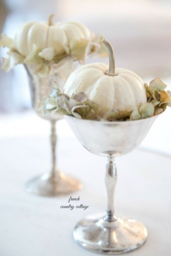 beautiful-thanksgiving-pumpkin-decorations-for-your-home-29-554x830