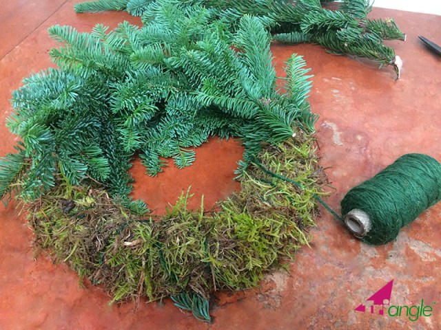 Learn How to Make a Christmas Wreath
