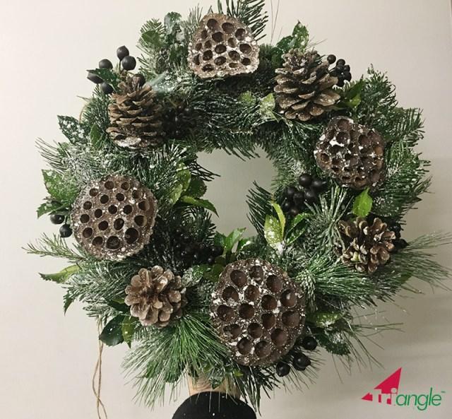 Learn how to Make a Seasonal Christmas Wreath