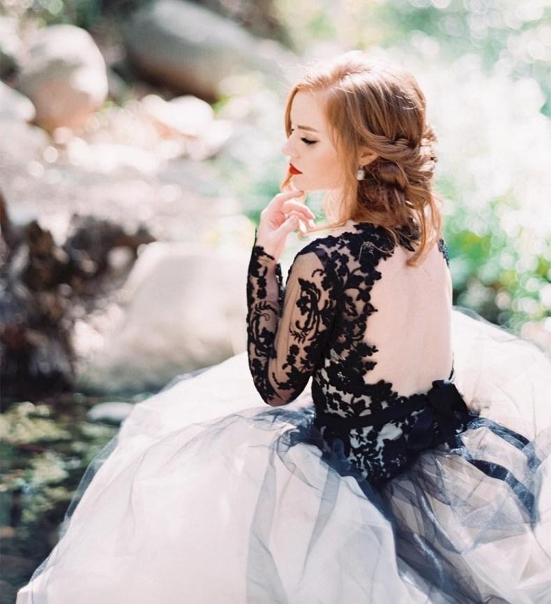 Wedding-Trends-3-brides-13dec17-instagram-lunademarephoto_b.jpg