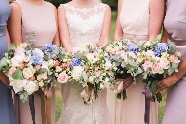 10 Tips For DIY Wedding Flowers