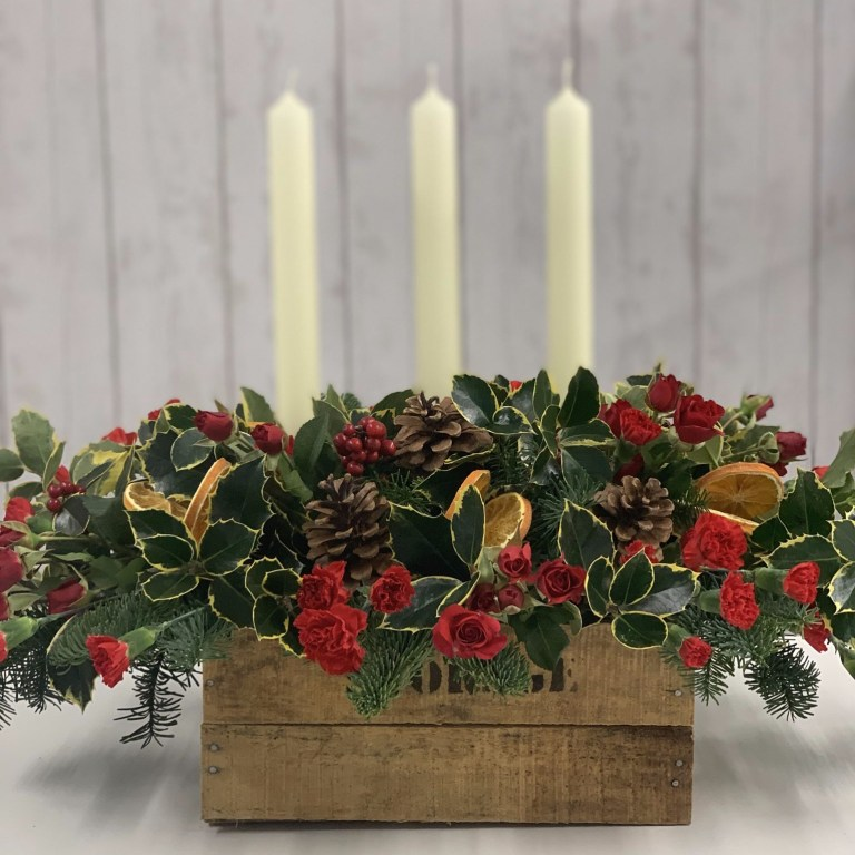 Christmas Dining Table Arrangement
