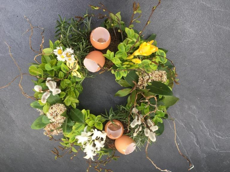 Garden Challenge: Easter Table Design
