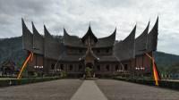 Rumah Adat Suku Padang