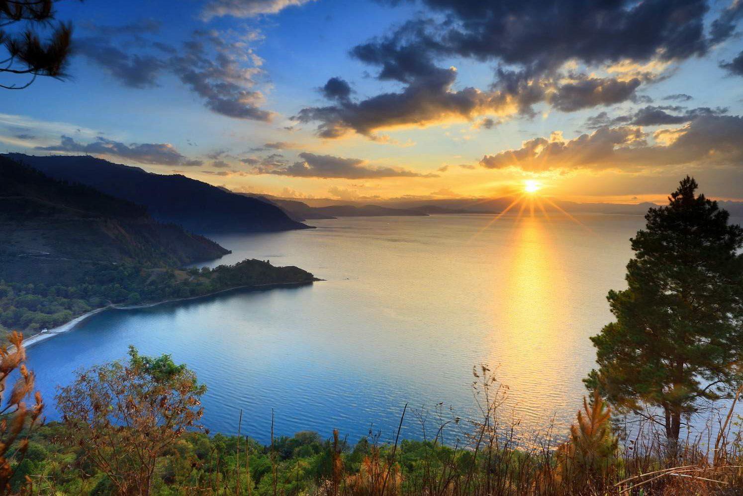 gambar pemandangan alam danau toba
