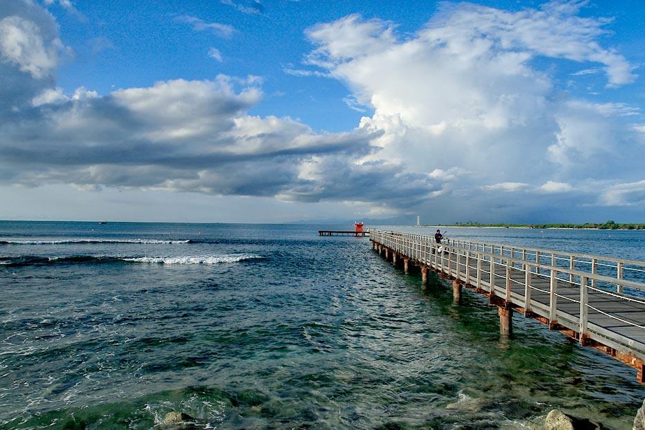gambar pemandangan laut tanjung lesung