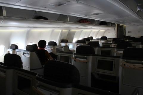 Swiss Air LX052 ZRH-BOS Economy Cabin