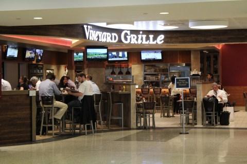 Boston Logan Terminal E - Vineyard Grill