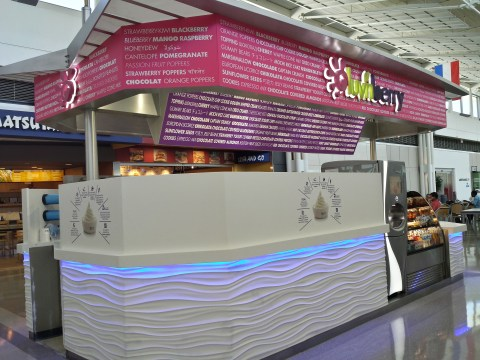 Dulles Airport has great food! luv'n berry, Concourse A