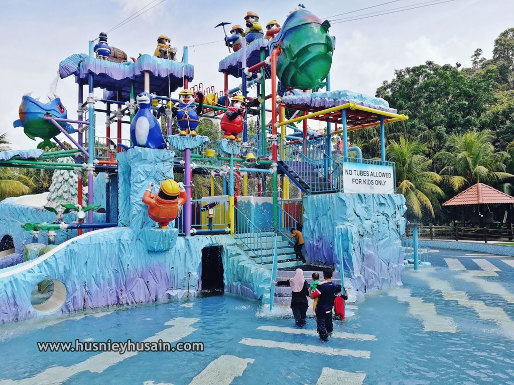 Best Waterparks Malaysia: Bukit Gambang Waterpark for Kids