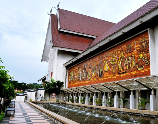 Learn more about Malaysia's history when visiting National Museum during your KL tour.