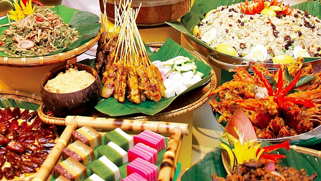 Visit Malaysia and taste Nasi Lemak, satay, local kueh and many more!