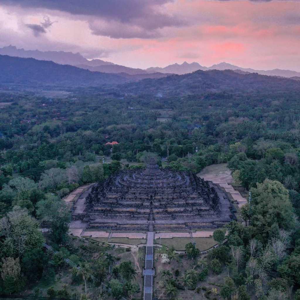 Pemandangan Aerial Candi Borobudur